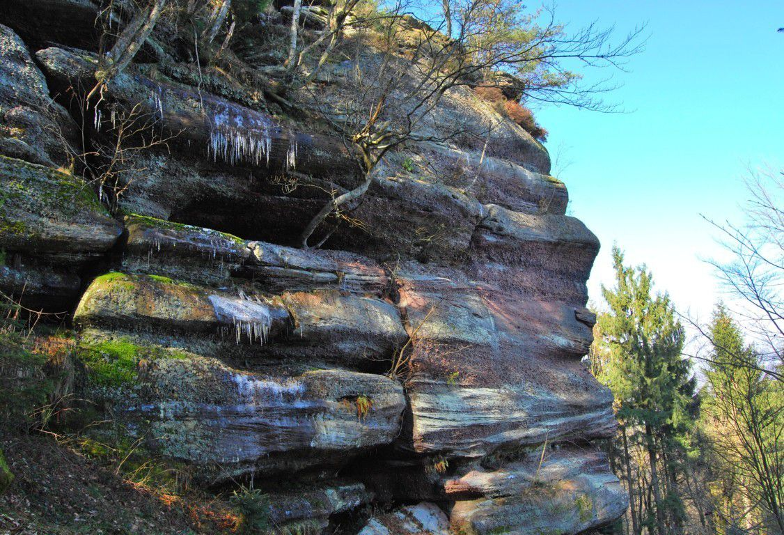Quelques glaçons résistent au rocher Huck.