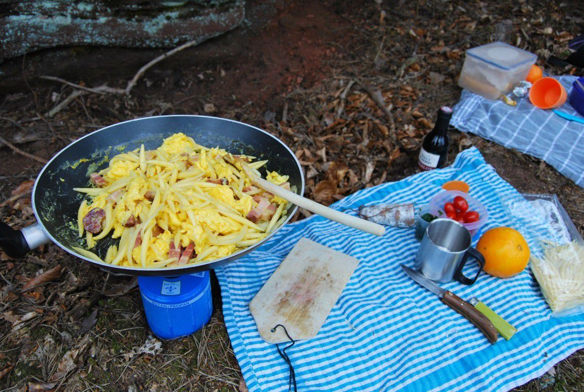 Au menu : Omelette aux Schupfnudeln parfumée à l'ail des ours...