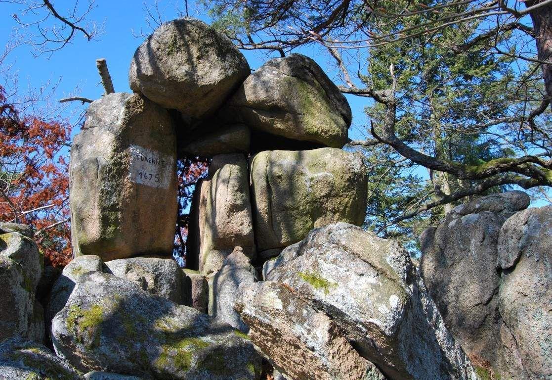 Le rocher Turenne. Avant le passage de ce dernier à Turckheim, ce rocher se nommait Hexenfelse...