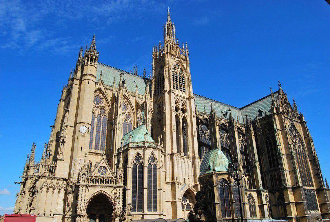 La cathédrale Saint Etienne de Metz est le monument le plus visité de la ville.