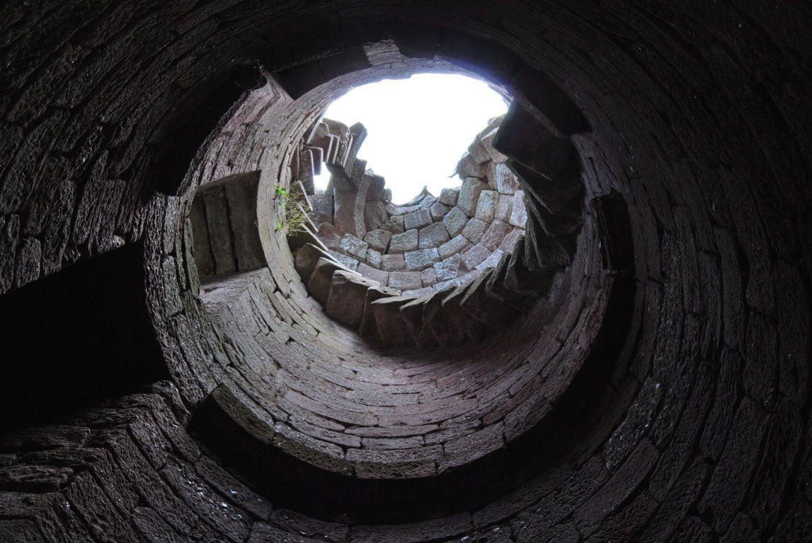 L'intérieur de la tour cylindrique