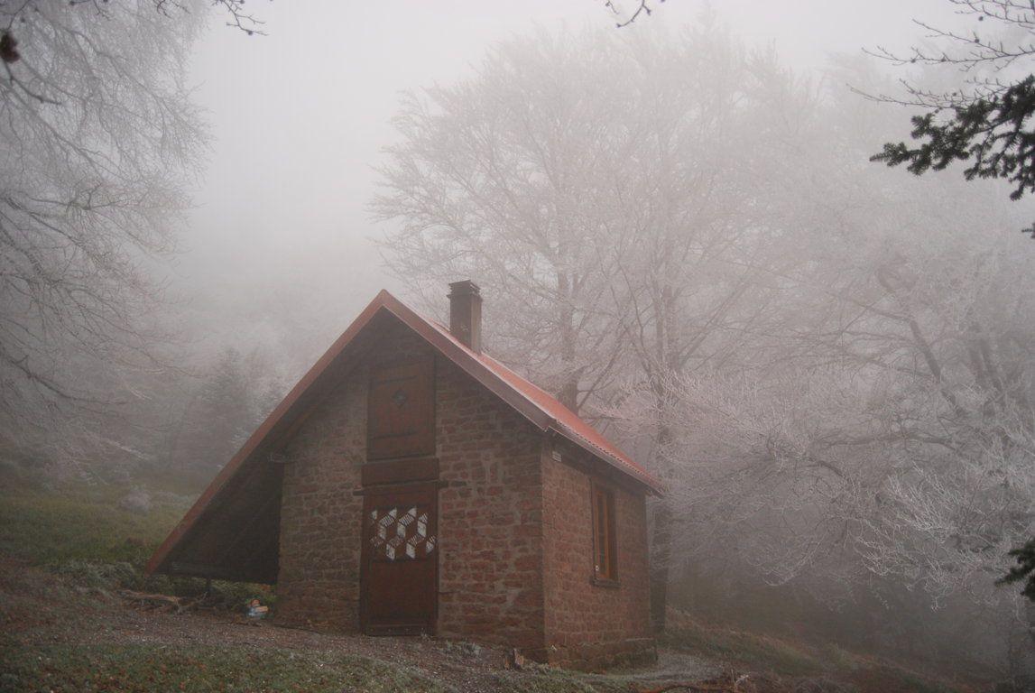 Le refuge du Schneeberg dans le brume de l'aube