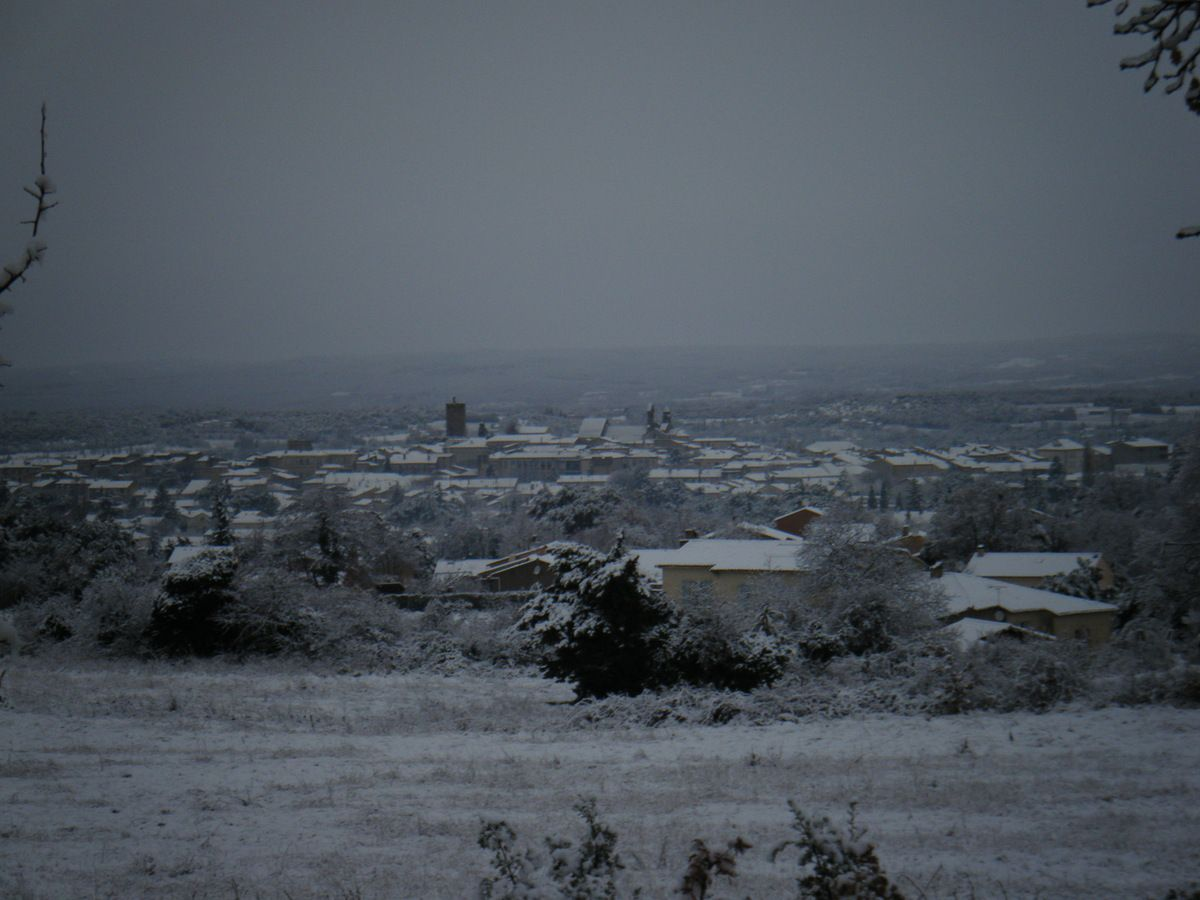 vue sur Valréas, recouvert de neige ! magique !