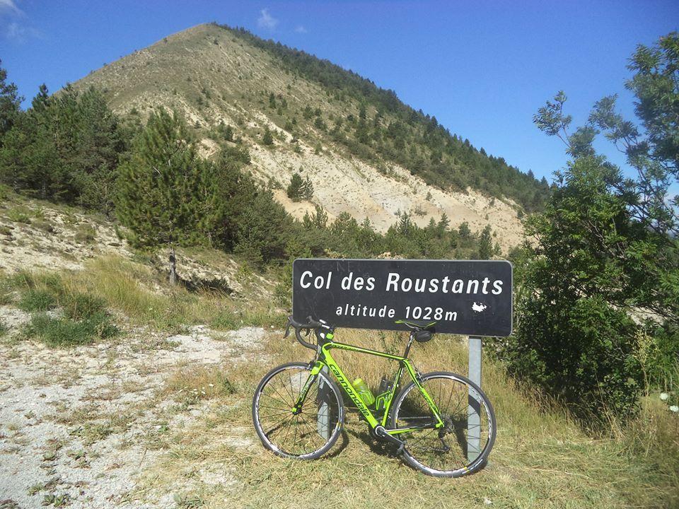 le plus beau col du jour, le col des Roustants (1030m), au pied du Petit désert (1208m), face à la montagne de Praloubeau (1461m), un vrai paradis !