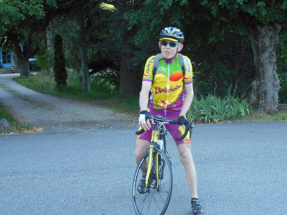Gégé nous rejoint à Crupies, il vient à vélo de Saou