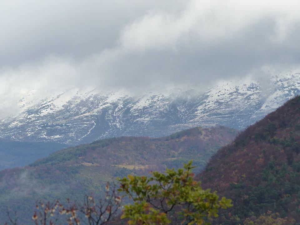 la montagne d'Aucelon bien enneigée