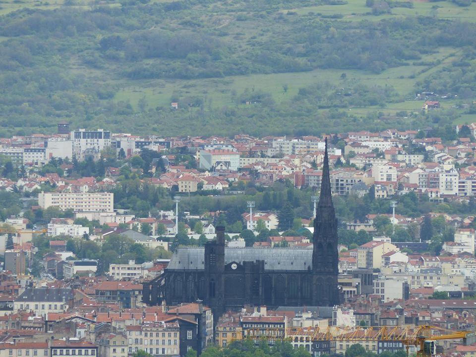 la cathédrale Notre-dame de l'Assomption (XIIIe siècle)