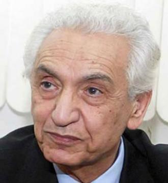 VIBRANT HOMMAGE DE L'UNION DES ÉTUDIANTS ALGÉRIENS EN FRANCE Ait Ahmed raconté à l'université de Paris VI