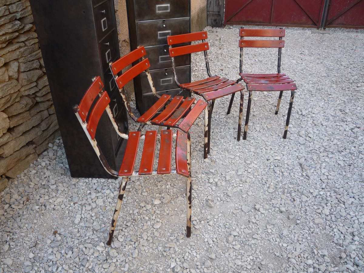 chaises bistrot metal lattes rouges pattes de vache 1950. Black Bedroom Furniture Sets. Home Design Ideas