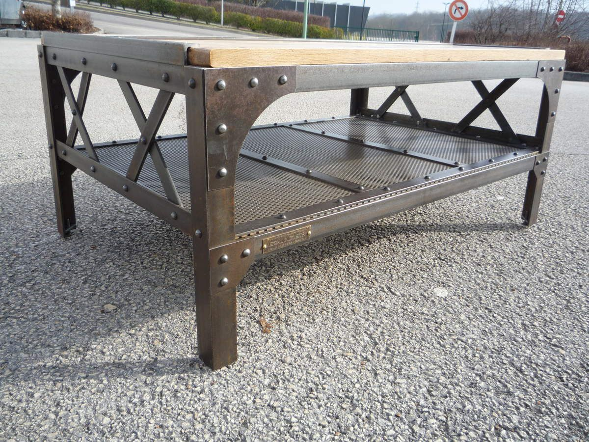 Table basse m tal rivet e 39 eiffel 39 plateaux ch ne et t le for Table basse chene metal