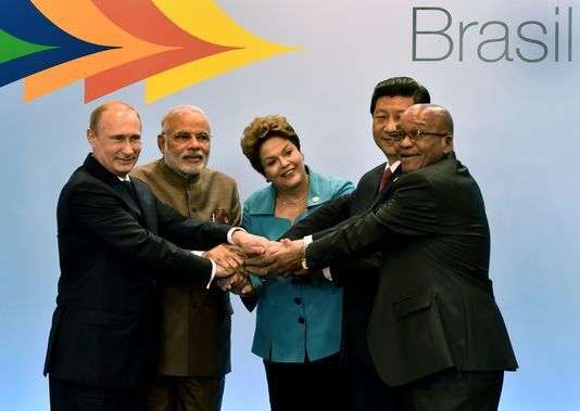La Banque des BRICS : un système alternatif aux institutions dominées par les nations occidentales, Fonds monétaire international (FMI) et Banque mondiale