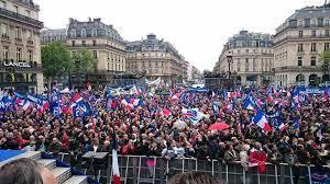 Le plus grand rassemblement du FN le 1er mai 2015 à Paris : 4500 personnes....