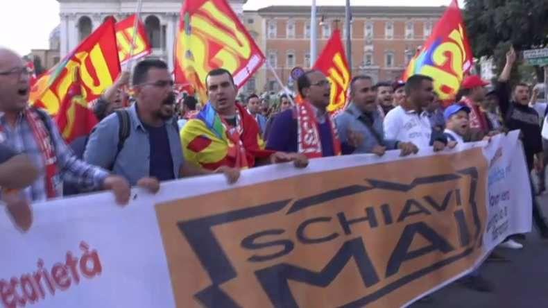 Les réformes constitutionnelles de Matteo Renzi font descendre les Romains dans la rue