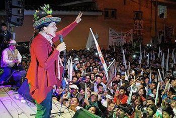 Au Pérou, l'espoir populaire a désormais un visage. Veronika Mendoza, candidate à l´élection présidentielle de 2016 pour la plateforme politique de gauche, le Frente Amplio,