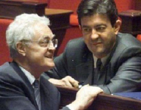 Mélenchon, la France Insoumise,  Une structure de parti qui ne dit pas son nom  Témoignage d'Armand LEGAY