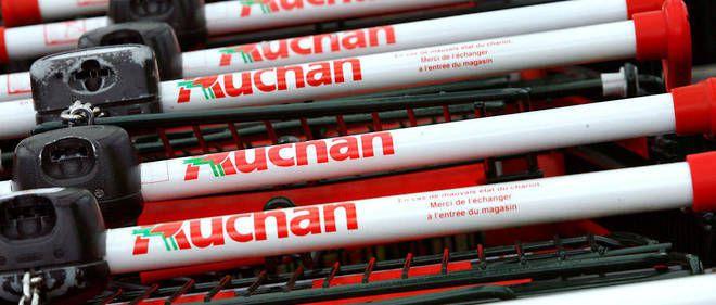 C'est ça, au quotidien, le capitalisme ...: Tourcoing : interdite de quitter son poste, une caissière d'Auchan fait une fausse couche