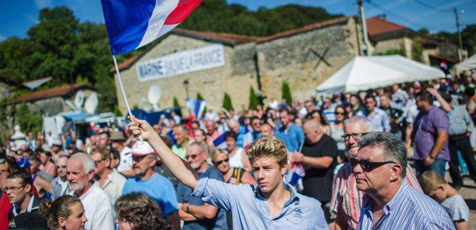 Le 29 août 2015, lors du discours de rentrée politique de Marine Le Pen à Brachay, en Haute-Marne. (Kamil Zihnioglu/SIPA)