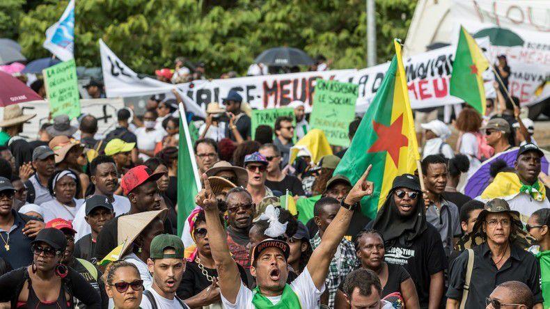Après un mois de conflit social, la Guyane poursuit la mobilisation