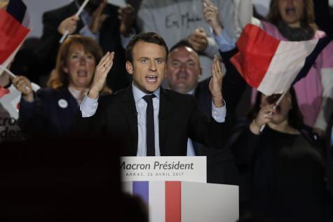 Emmanuel Macron, candidat à la guerre en Syrie