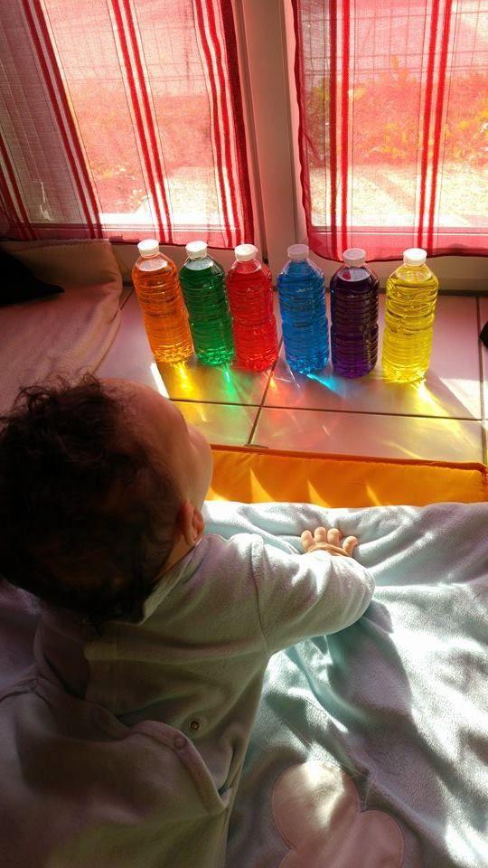 bouteilles colorés Montessori