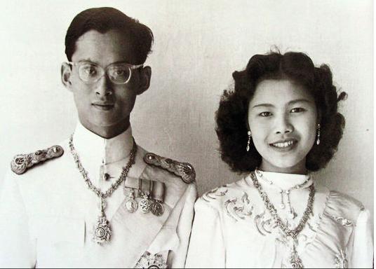 Thaïlande... Le roi est mort