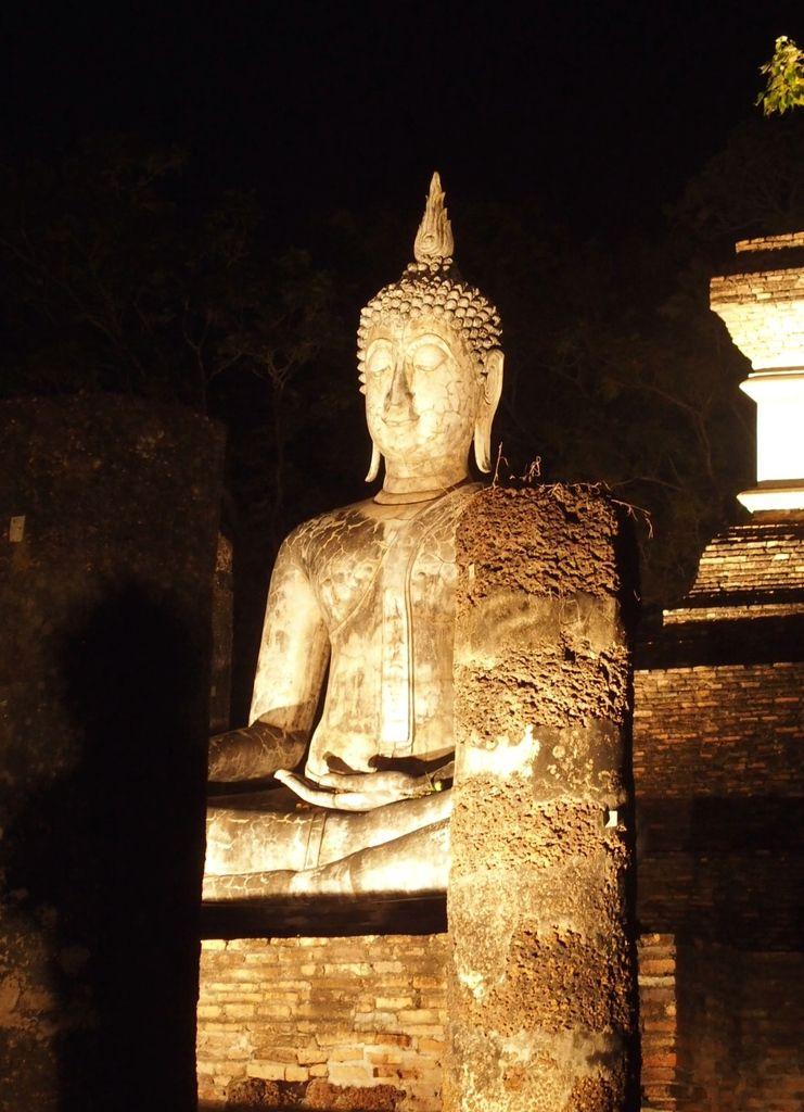 Sukhothaï by night