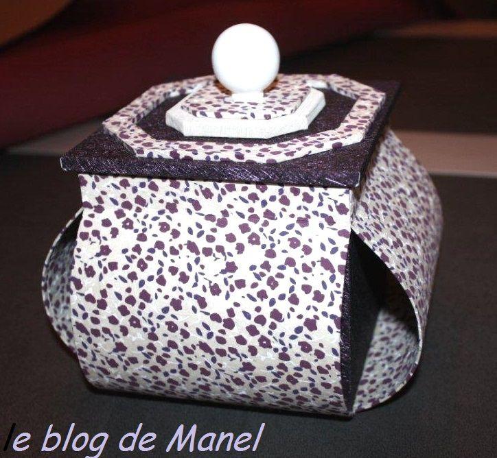MARTINE M. / BOITE LAMPION AVEC MEPLAT