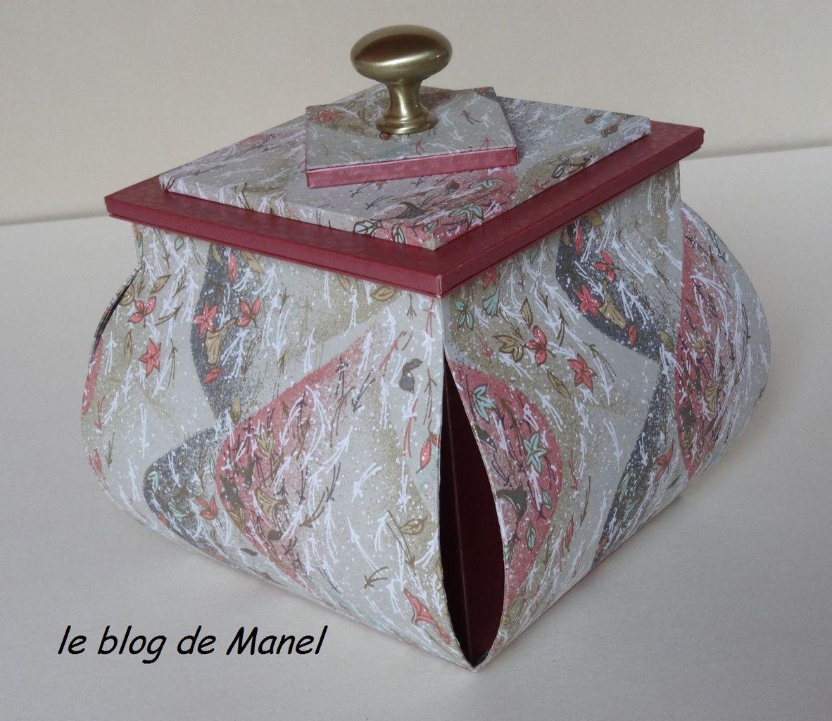 CATHERINE C/ ELEVE DE MANEL / BOITE LAMPION AVEC MEPLAT