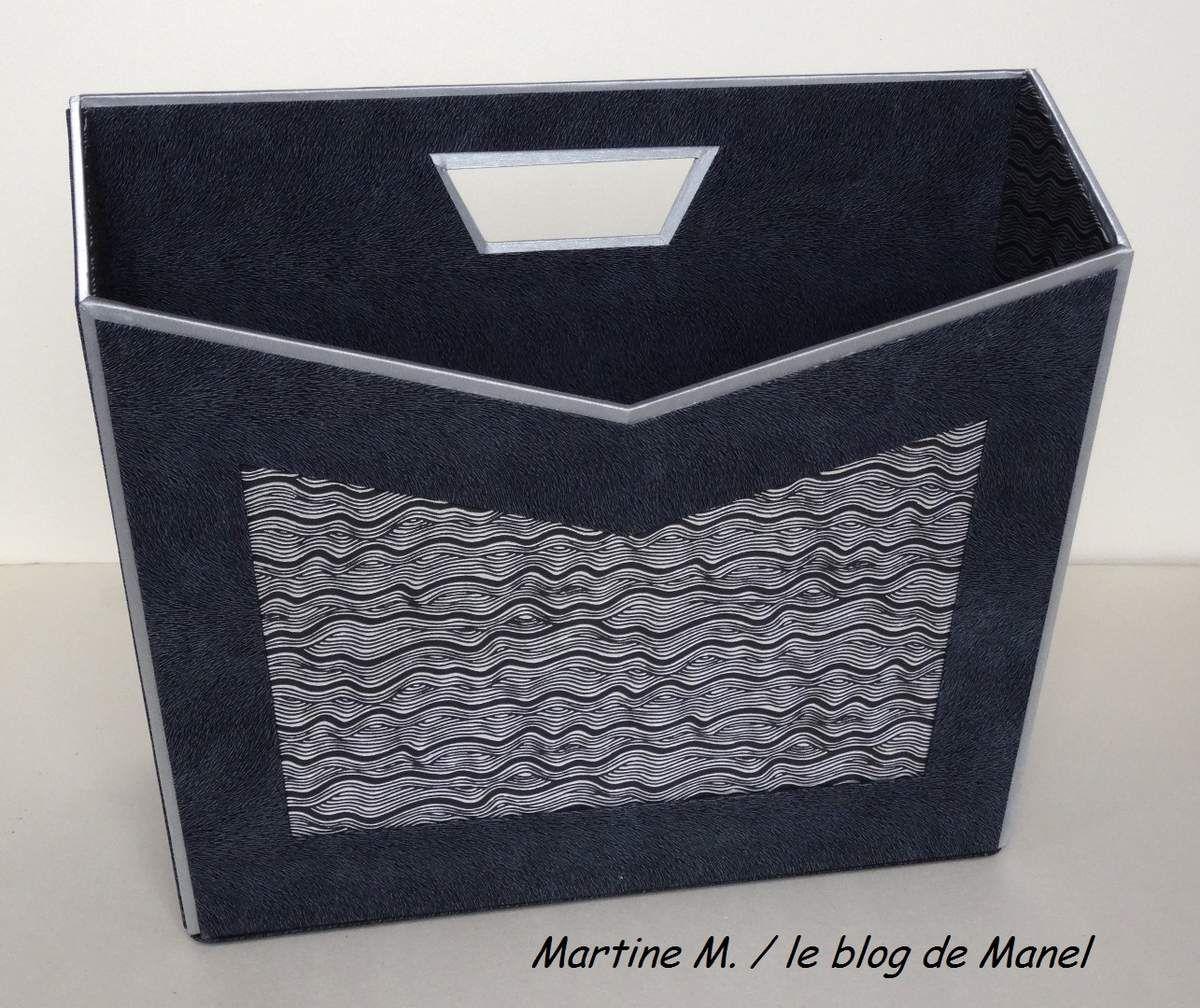 MARTINE M. / ELEVE DE MANEL / PORTE REVUE