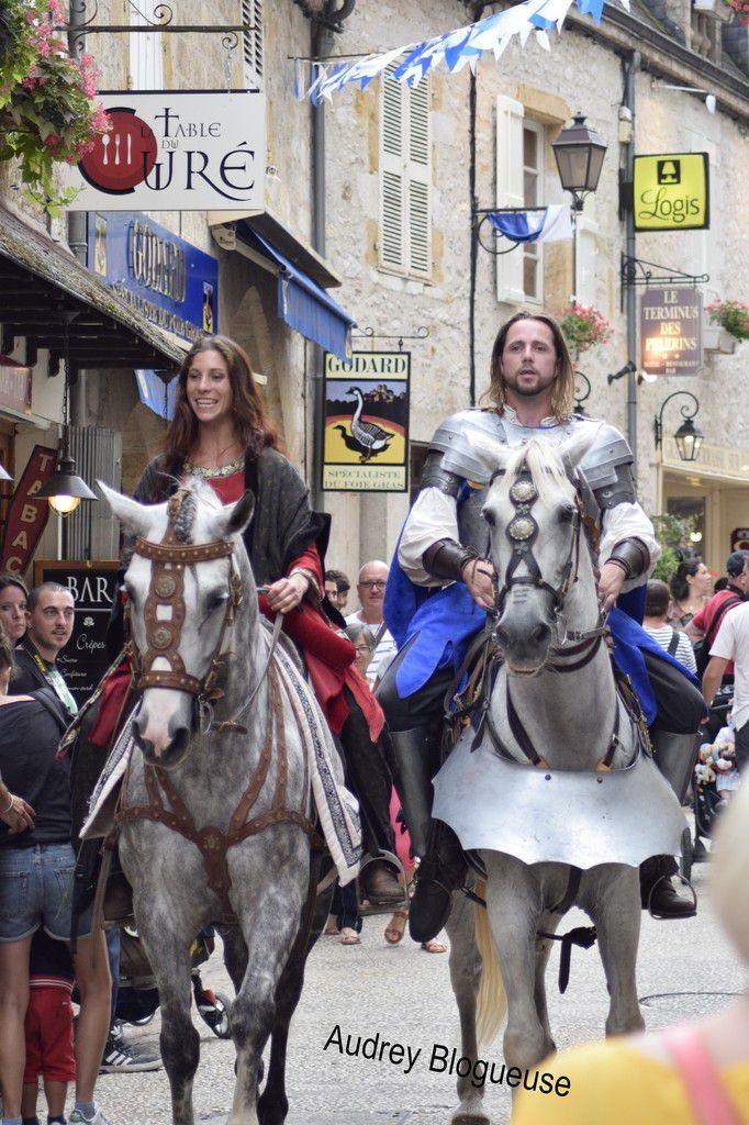 Pleins d'animations dans la cité avec les troubadours ,princesse et chevaliers ,jeux en bois pour enfants