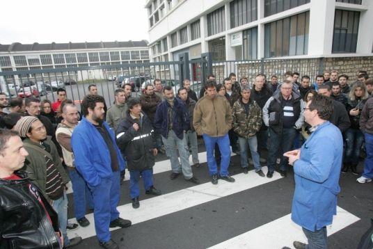 Une assemblée générale des salariés en janvier 2015 devant l'usine de Sillac. Photo Phil Messelet (photo d'illustration)