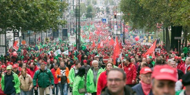 Manifestants dans les rues de Bruxelles le 7 octobre 2015