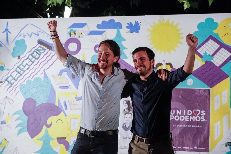 Pablo IGLESIAS, le leader de PODEMOS (à gauche) et le leader d'IZQUIERDA UNIDA, Alberto GARZON (source: facebook)