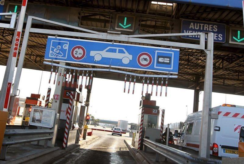 AUTOMOBILES « VACHES À LAIT » ! Les péages d'autoroutes vont encore augmenter en février 2019 !