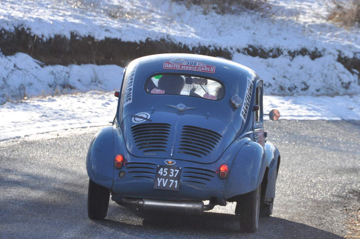 Renault 4 CV 1954...Jacques Rondard(F)/Philippe Payre(F)