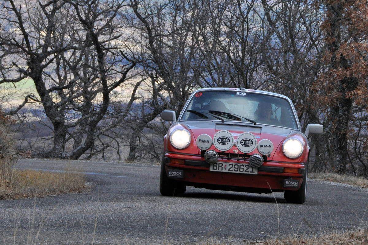 Tom Hotvedt(N)/Leif Neset(N) Porsche 911 S 2,7 1976 (48ième)