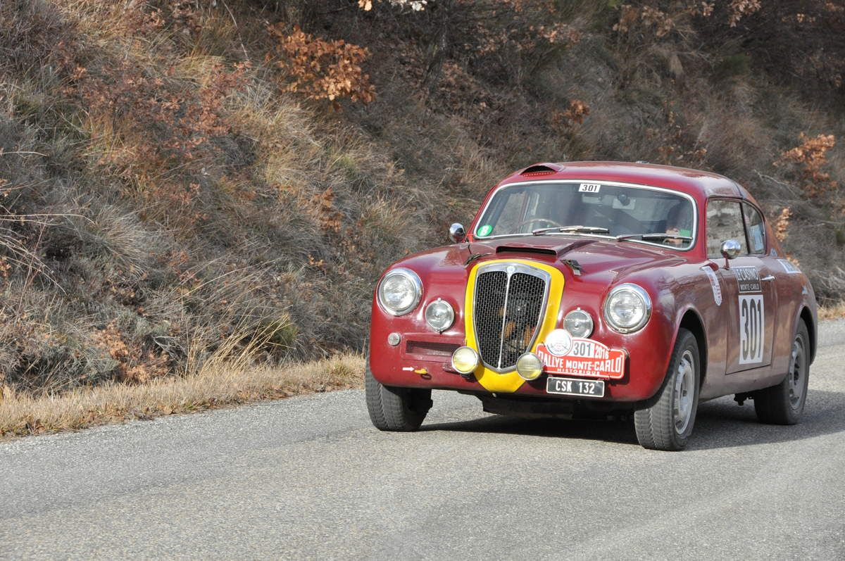 William Ainscough(GB)/Willy Cave(GB) Lancia Aurelia B20 GT 1954 (123ième)