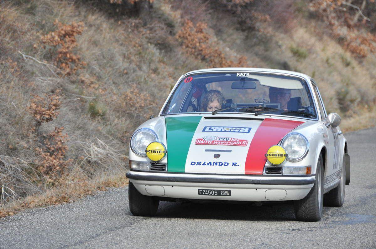 Mauro Argenti(I)/Roberta Amorosa(I) Porsche 911 T 1969 (24ième)