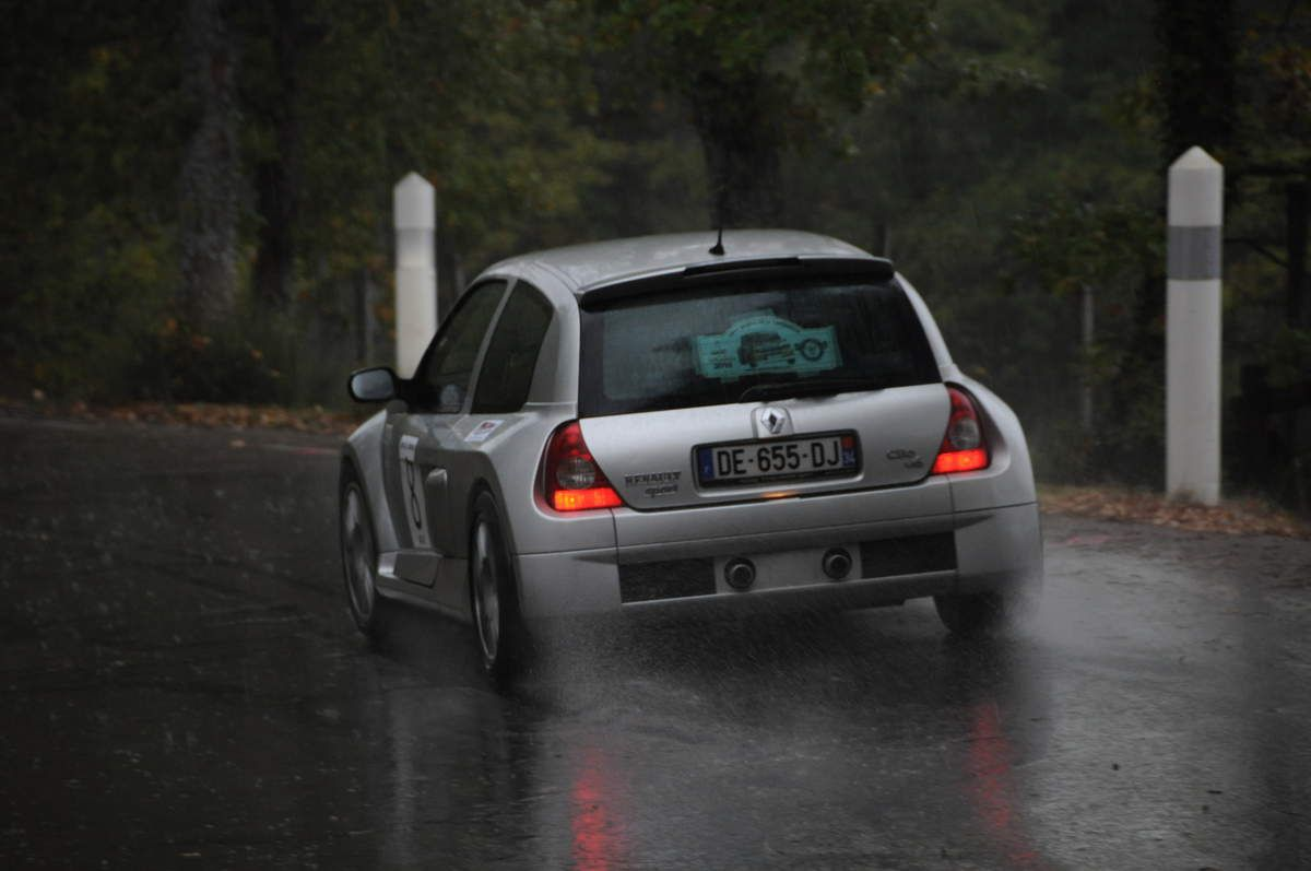 Renault Clio V6 2003 ..... Photo : Rémi Saumont