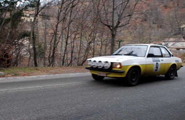 José Lareppe(B)/Lieven David(B) Opel Ascona 2,0 1976 ..... Photo : H.C.