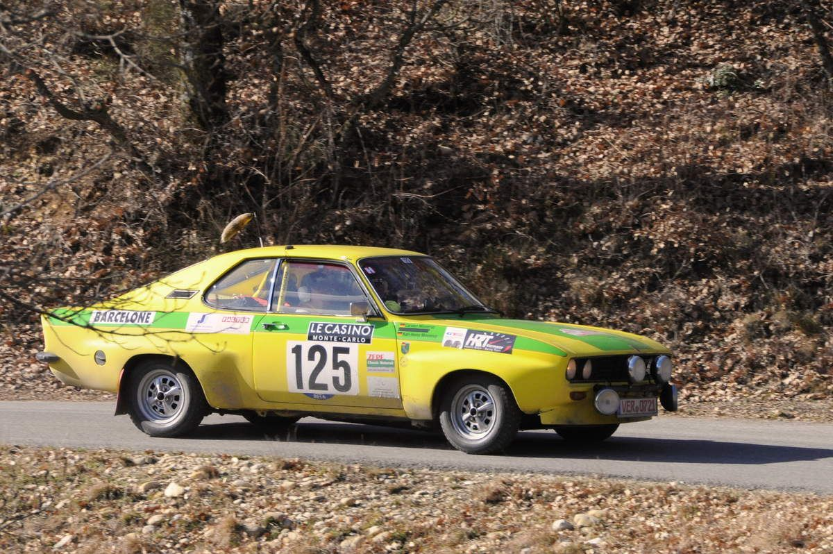 Karl-Heinz et Carsten Minnerup(D) Opel Manta 1,9 1971 ..... Photo : R.S.