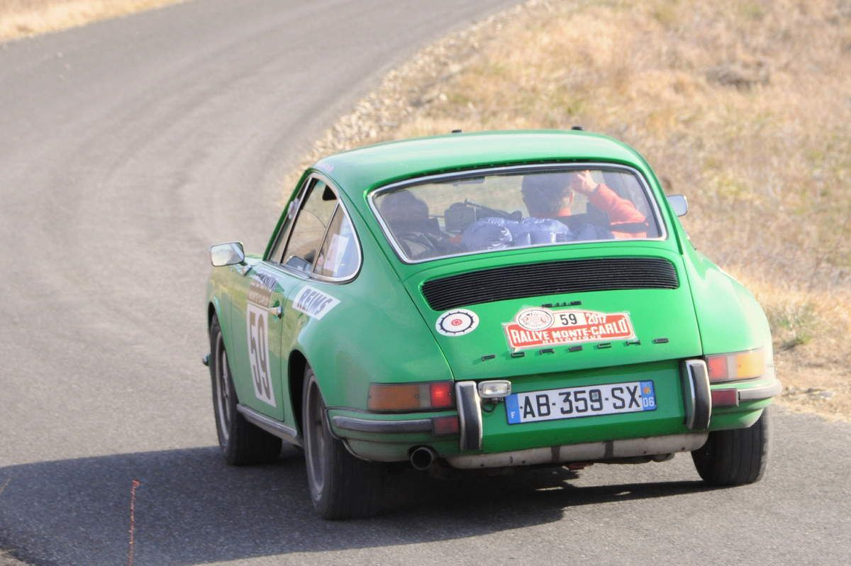Jean-Louis Vouillon(F)/Frédérique Bastat(F) Porsche 911 S 2,4 1973 ..... Photo : R.S.