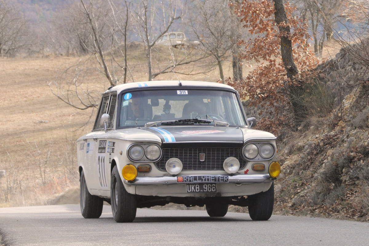 Carlos et Hernan Di Tella(Arg) Fiat 1500 1964 ..... Photo : R.S.