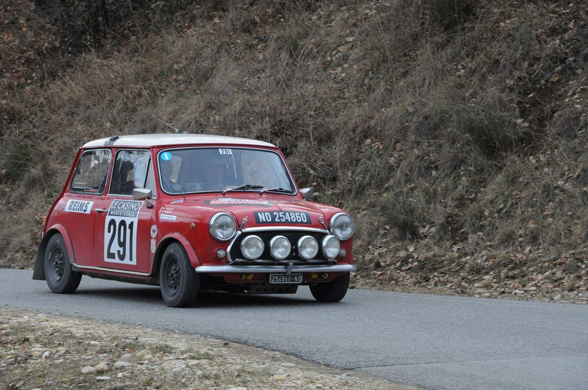 Andrea et Paolo Venturelli(I) Innocenti Mini Cooper 1300 1972 ..... Photo : R.S.