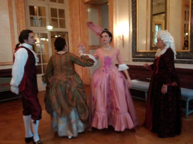 avec les èlèves du cours de danse baroque