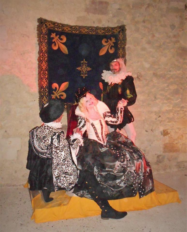 Salles d'armes du Chateau , coté  danse et duel