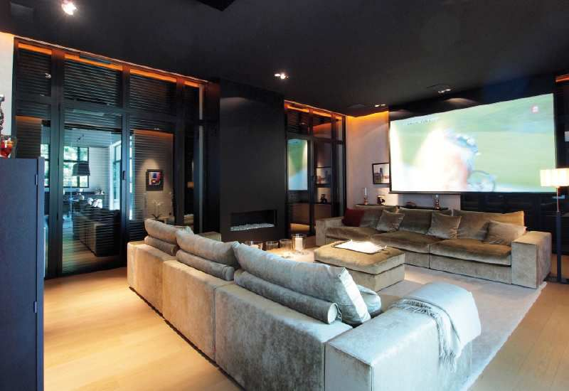 belle installation cin ma dans un loft installations. Black Bedroom Furniture Sets. Home Design Ideas