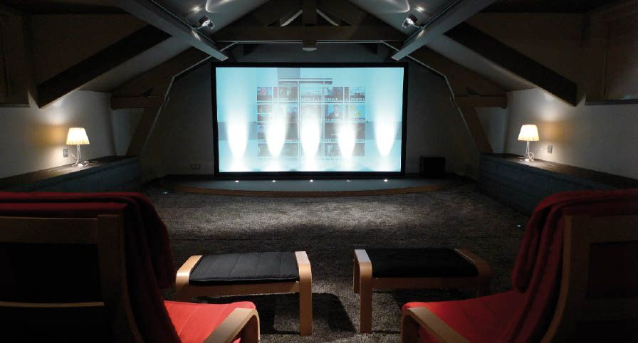 salle home cinema particulier salle home cin ma r aliser par le client et kgs k g s events. Black Bedroom Furniture Sets. Home Design Ideas