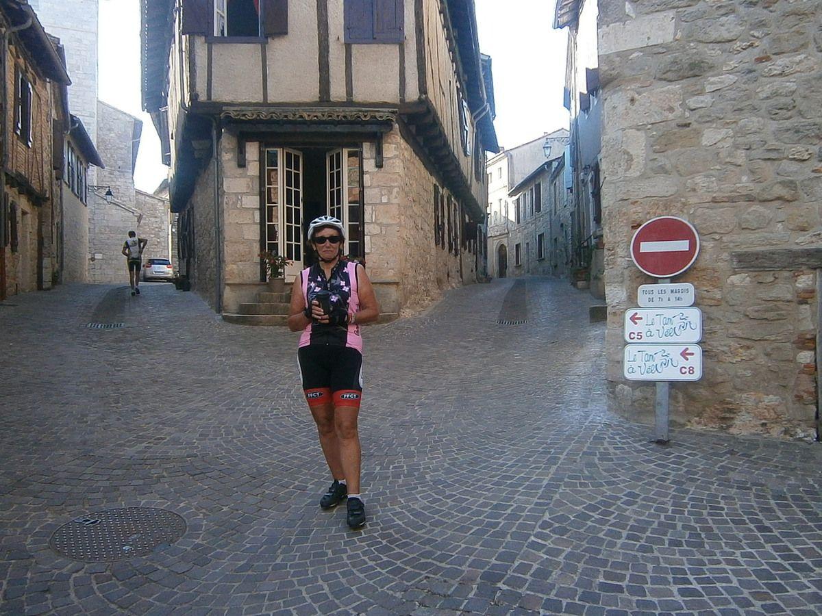 Castelnau de Monmiral