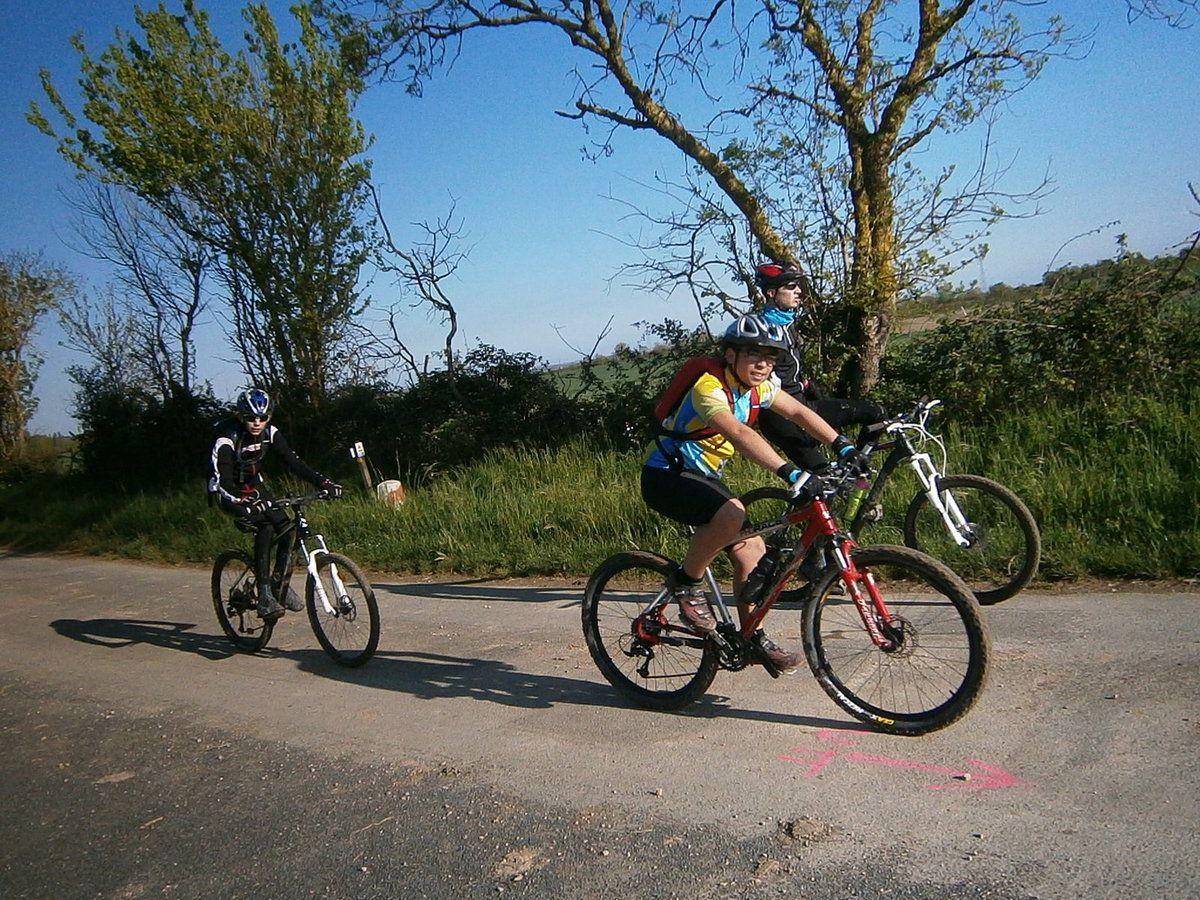 Les vélos sont déjà bien boueux ......